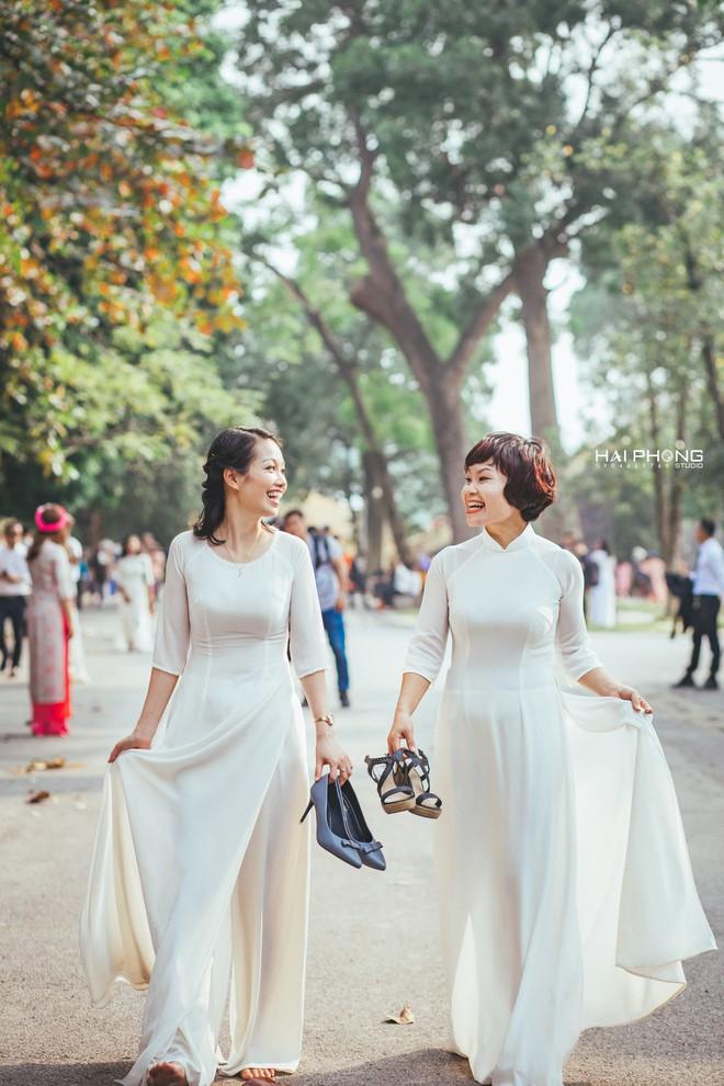 Bộ ảnh kỷ niệm 20 năm hội bạn thân Hà Nội sẽ khiến ta thầm mong một tình bạn như thế - Ảnh 12.