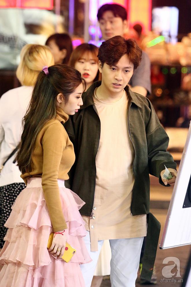 Ngô Kiến Huy tình tứ đưa Khổng Tú Quỳnh đi dạo phố Seoul - Ảnh 3.