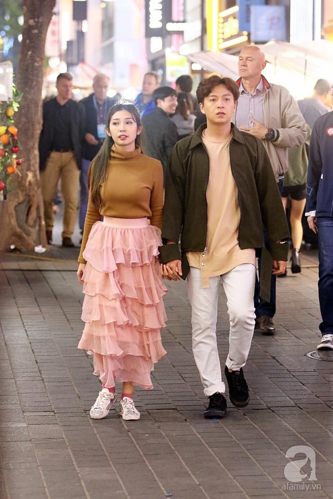 Ngô Kiến Huy tình tứ đưa Khổng Tú Quỳnh đi dạo phố Seoul - Ảnh 2.