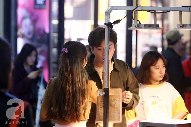 Ngô Kiến Huy tình tứ đưa Khổng Tú Quỳnh đi dạo phố Seoul - Ảnh 12.