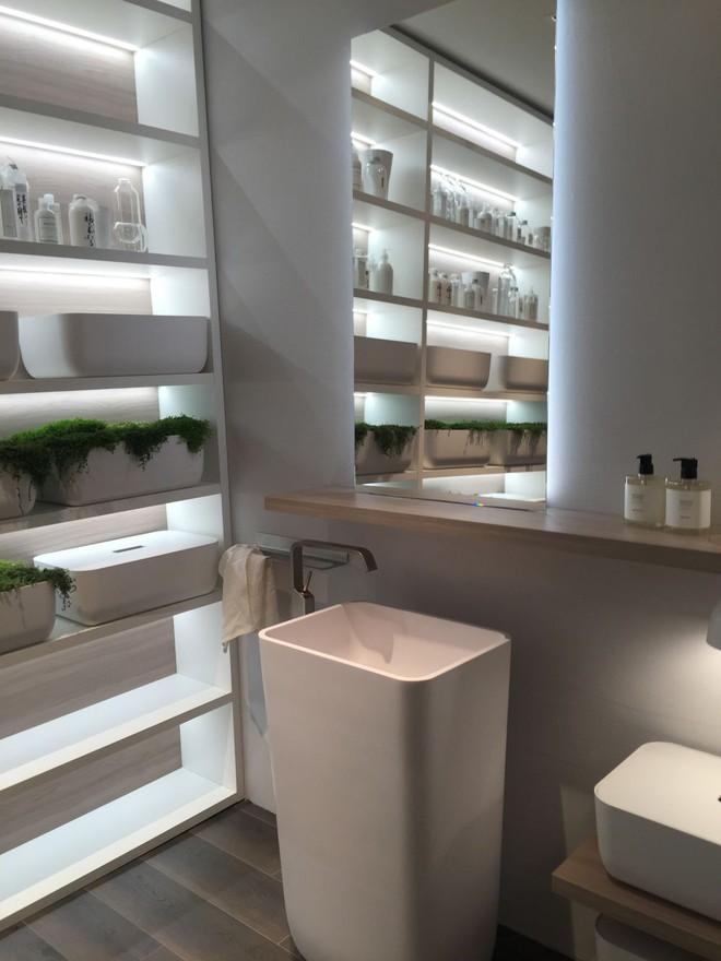 9 mẫu kệ lưu trữ đồ trong phòng tắm khiến bạn không thể bỏ lỡ - Ảnh 8.