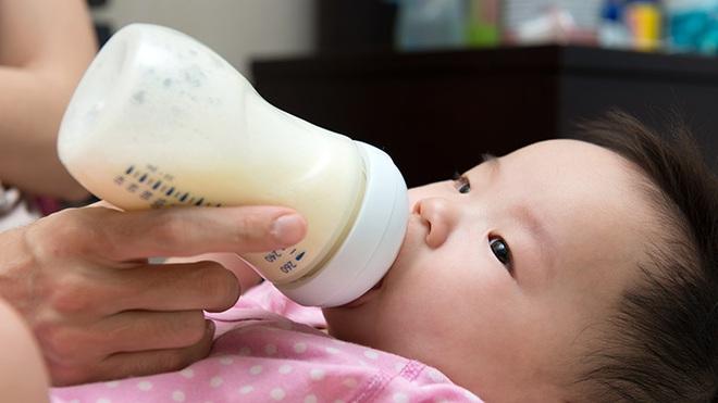Sữa công thức có thực sự cần thiết cho trẻ sau 1 tuổi? Sự thật sẽ khiến bố mẹ ngã ngửa! - Ảnh 3.