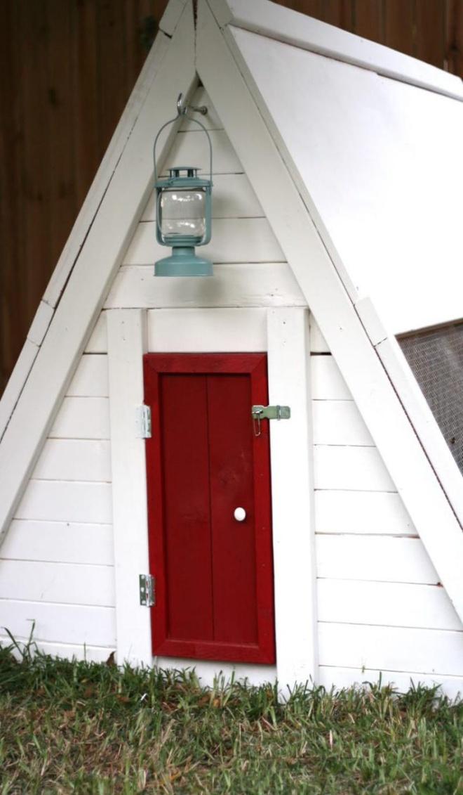 Những ngôi nhà nhỏ xinh đẹp như khách sạn dành cho… gà vịt - Ảnh 15.