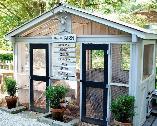 Những ngôi nhà nhỏ xinh đẹp như khách sạn dành cho… gà vịt - Ảnh 20.