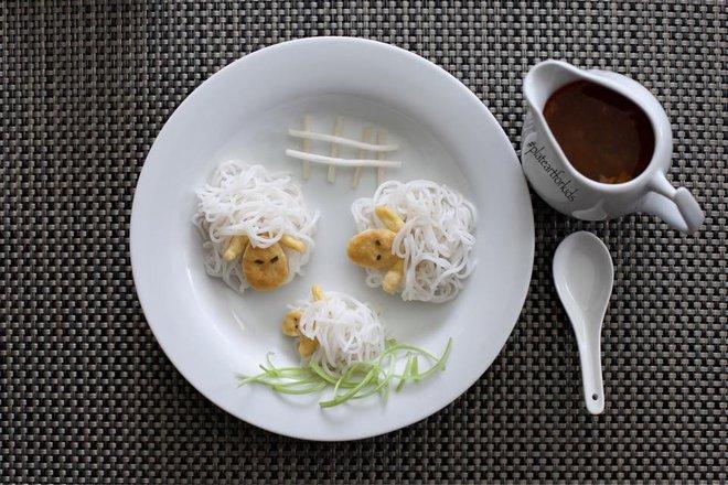 Chẳng cần khéo tay vẫn có thể trang trí món ăn siêu đẹp giúp con hết biếng ăn - Ảnh 4.