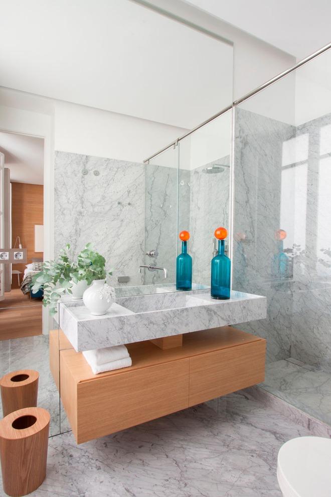 Thiết kế kệ mở giúp phòng tắm gia đình trở nên hoàn hảo đến khó tin - Ảnh 4.