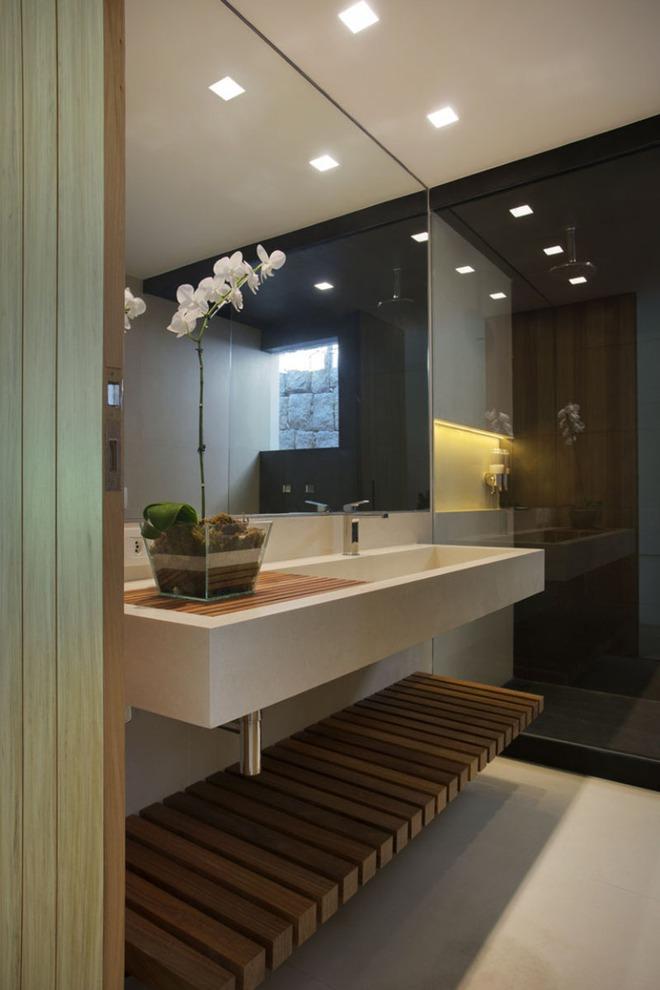 Thiết kế kệ mở giúp phòng tắm gia đình trở nên hoàn hảo đến khó tin - Ảnh 7.