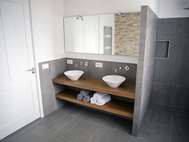 Thiết kế kệ mở giúp phòng tắm gia đình trở nên hoàn hảo đến khó tin - Ảnh 16.