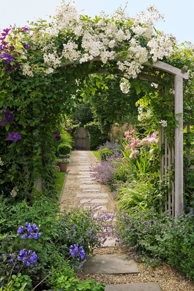 18 cách cực hay mà đơn giản để làm mới sân vườn nhà bạn - Ảnh 6.