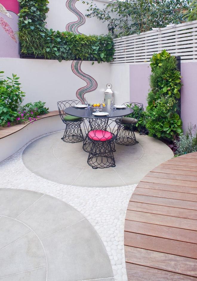 Thiết kế mảnh sân sau thành góc thư giãn đẹp mê mẩn với điểm nhấn lãng mạn từ màu hồng - Ảnh 2.