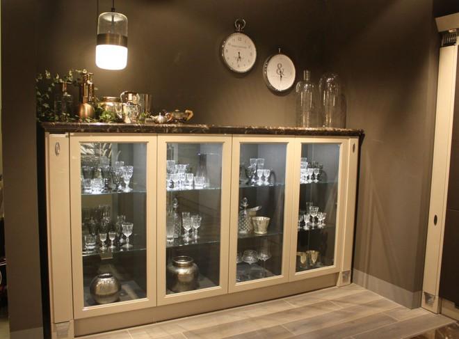5 kiểu tủ bếp thủy tinh sẽ khiến nhà bếp trở nên đẹp lung linh hơn bao giờ hết - Ảnh 4.