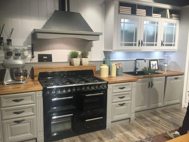 5 kiểu tủ bếp thủy tinh sẽ khiến nhà bếp trở nên đẹp lung linh hơn bao giờ hết - Ảnh 7.