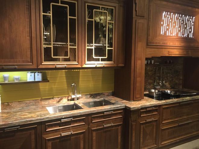 5 kiểu tủ bếp thủy tinh sẽ khiến nhà bếp trở nên đẹp lung linh hơn bao giờ hết - Ảnh 15.