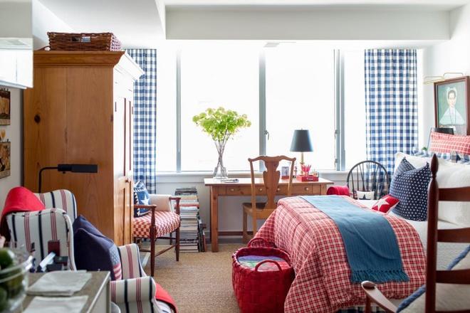 Căn hộ nhỏ chỉ vỏn vẹn 25m² nhưng đẹp ấn tượng dành riêng cho tín đồ yêu màu đỏ và trắng - Ảnh 2.