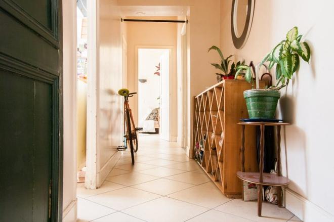 Chẳng cần kiến trúc sư, chủ nhân căn hộ tự tay trang trí nhà khiến ai nhìn cũng yêu - Ảnh 4.