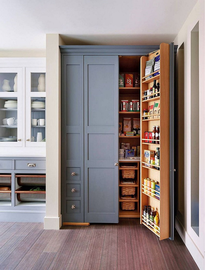 10 thiết kế tủ lưu trữ giúp bạn chứa cả thế giới chai lọ lỉnh kỉnh trong phòng bếp - Ảnh 1.