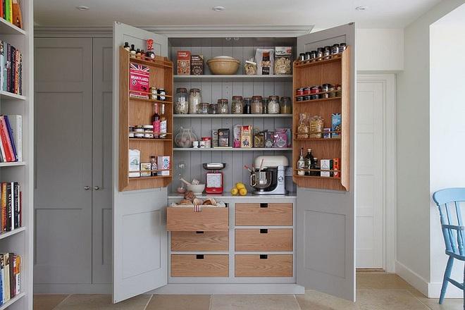 10 thiết kế tủ lưu trữ giúp bạn chứa cả thế giới chai lọ lỉnh kỉnh trong phòng bếp - Ảnh 2.