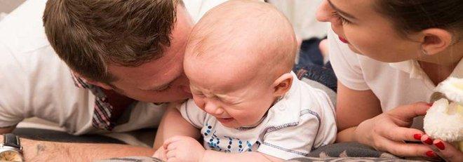4 thời điểm trẻ sơ sinh khóc nhiều nhất và cách dỗ bé nín khóc - Ảnh 3.