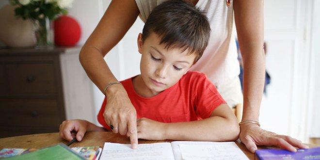 Toán lớp 1 sẽ dễ như ăn kẹo nếu bố mẹ biết những cách dạy con hay ho này - Ảnh 1.