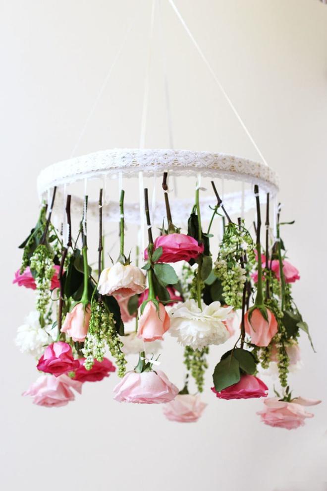 Tự làm đèn chùm hoa cho bữa tối mùa hè thêm ngọt ngào và lãng mạn - Ảnh 4.