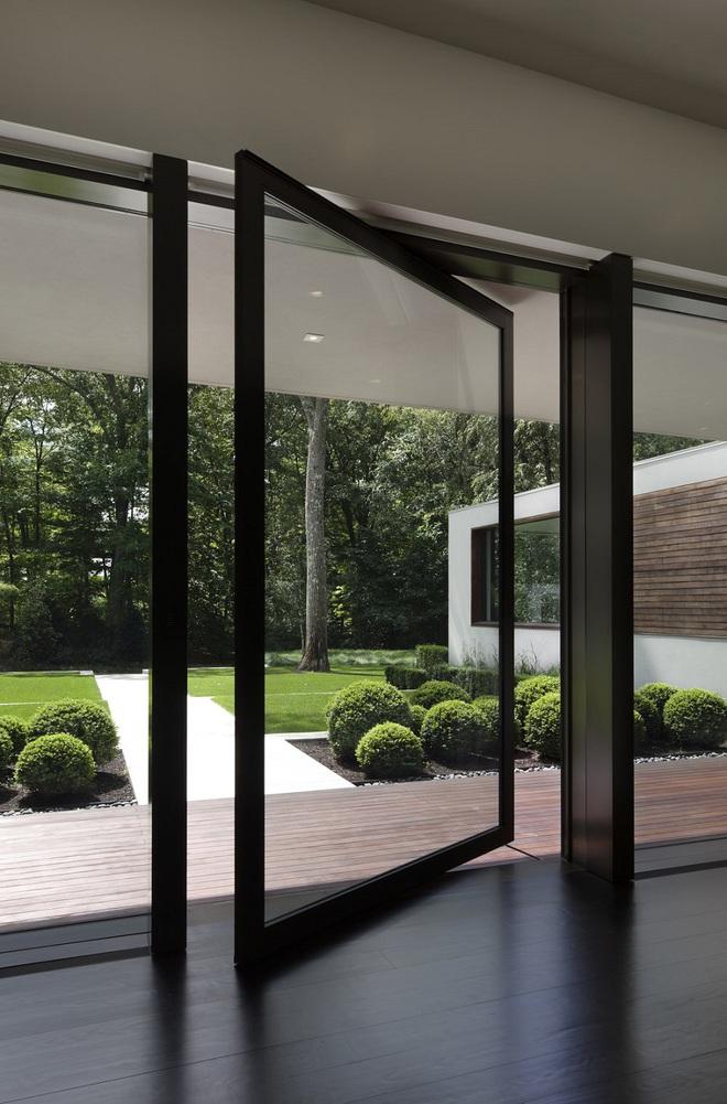 Qua rồi cái thời cửa ra vào 1 kiểu, những mẫu cửa ra vào cách tân dưới đây sẽ làm ngôi nhà của bạn sáng bừng - Ảnh 2.