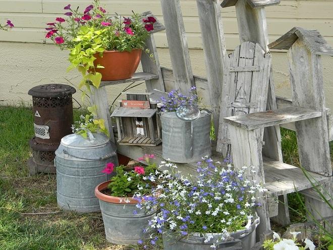 Không cần là người làm vườn giỏi bạn vẫn có thể trang trí sân vườn ấn tượng như thế này - Ảnh 2.