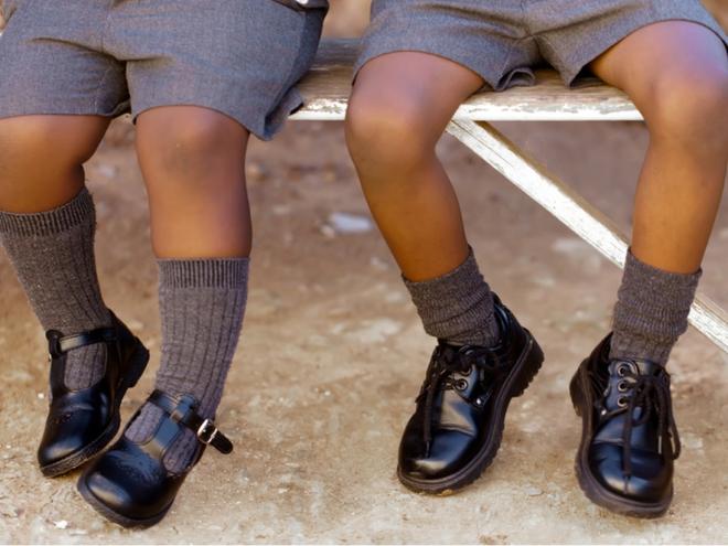 Chọn giày dép sai kích cỡ cho con: Tưởng bình bình mà hại không ngờ - Ảnh 3.
