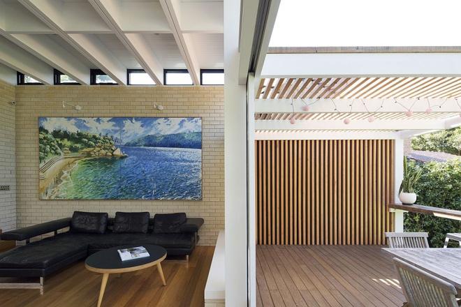 Ngôi nhà mái bằng trang trí theo phong cách hiện đại với điểm nhấn là mái nhà phủ đầy cây xanh - Ảnh 2.