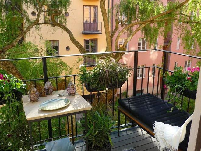 Ban công nhỏ biến thành khu vườn xanh mát đẹp hút ánh nhìn với những ý tưởng đơn giản không ngờ - Ảnh 23.