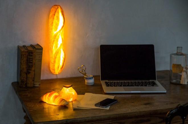 Đèn trang trí hình bánh mì: chiếc đèn độc đáo, lạ mắt cho chủ nhà cá tính - Ảnh 2.