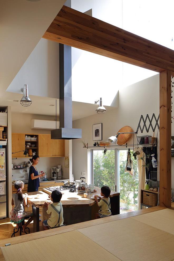 Ngôi nhà ở Nhật Bản chỉ sử dụng chất liệu gỗ, bê tông nhưng có nhiều điều ẩn chứa bên trong ít người biết - Ảnh 6.