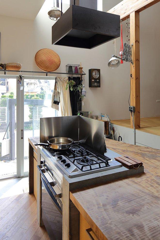Ngôi nhà ở Nhật Bản chỉ sử dụng chất liệu gỗ, bê tông nhưng có nhiều điều ẩn chứa bên trong ít người biết - Ảnh 8.