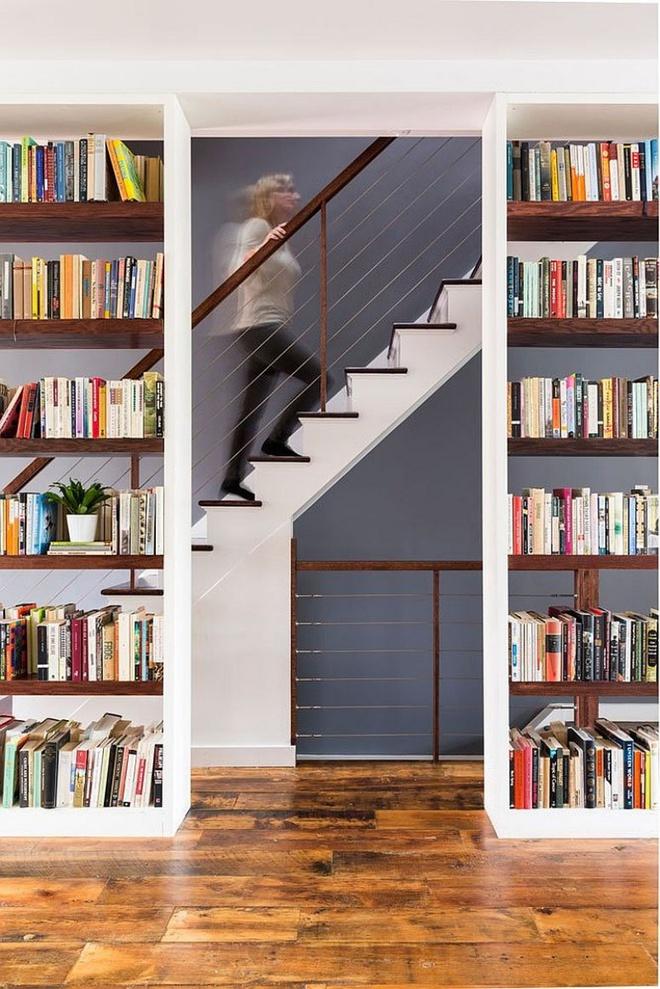 Ngôi nhà 2 tầng tuyệt đẹp dành cho những người yêu sách và âm nhạc - Ảnh 4.