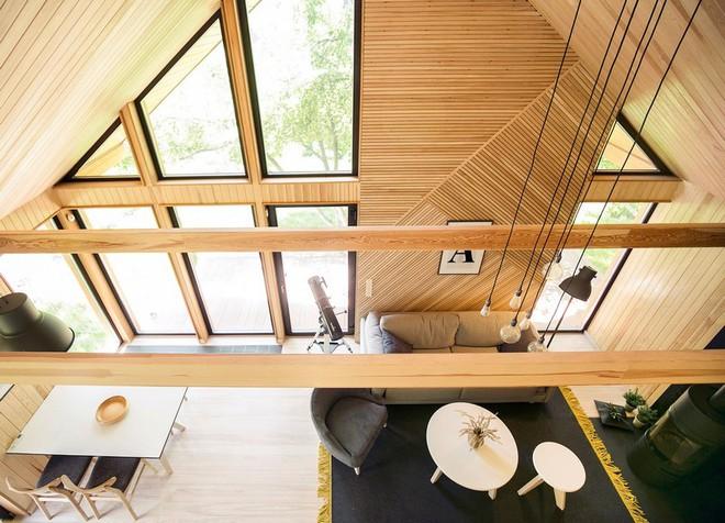 """Với bộ khung được làm hoàn toàn bằng gỗ, ngôi nhà này xứng đáng nhận danh hiệu """"nơi trú ẩn ấm áp"""" nhất hành tinh - Ảnh 2."""