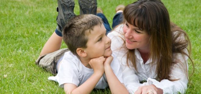 8 dấu hiệu rõ ràng cho thấy con bạn có chỉ số EQ rất cao - Ảnh 2.