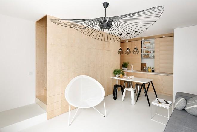 Thuốc bổ cho ngôi nhà nhỏ chính là nội thất gỗ đa chức năng - Ảnh 1.