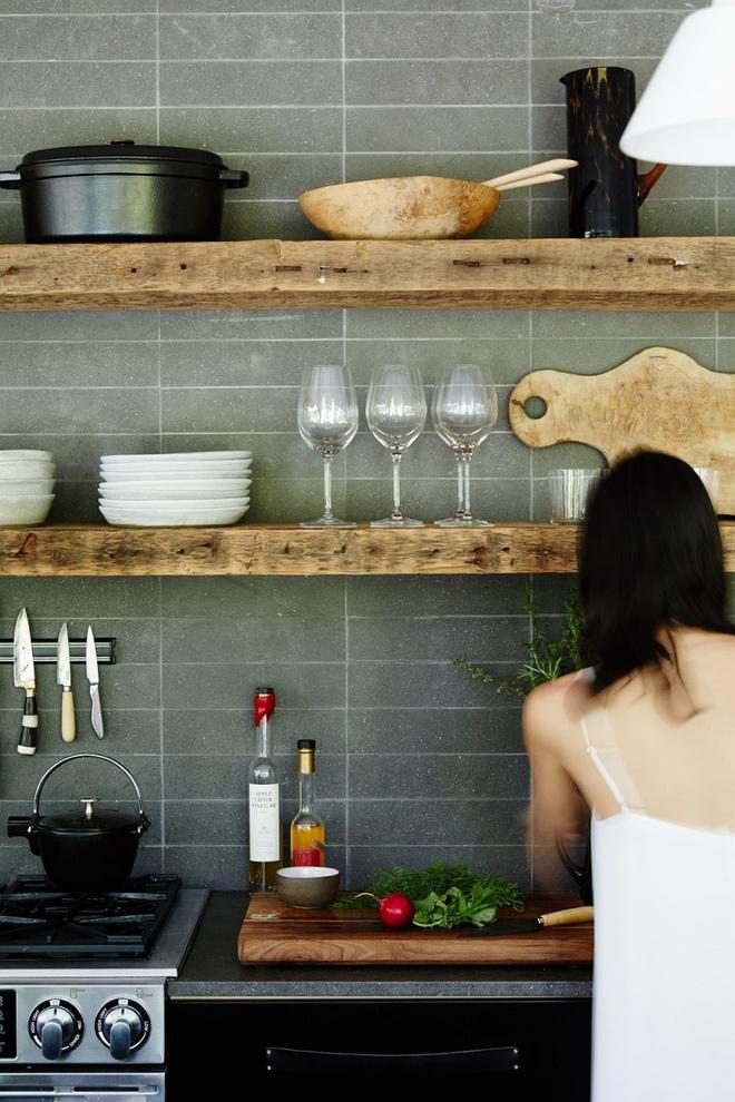 Những căn bếp đẹp hút hồn với kệ gỗ tự nhiên phong cách Rustic - Ảnh 8.