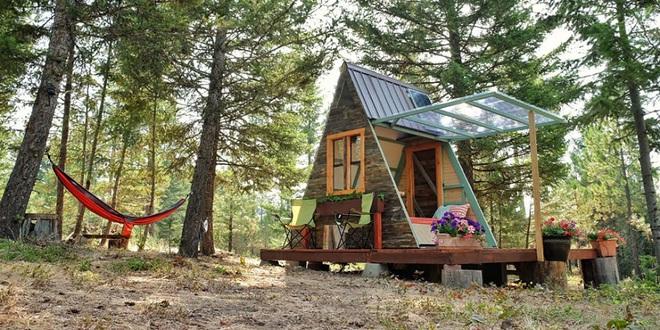 Đôi vợ chồng tự tay xây dựng một ngôi nhà nhỏ vô cùng xinh xắn với giá thành chưa tới 18 triệu đồng - Ảnh 1.