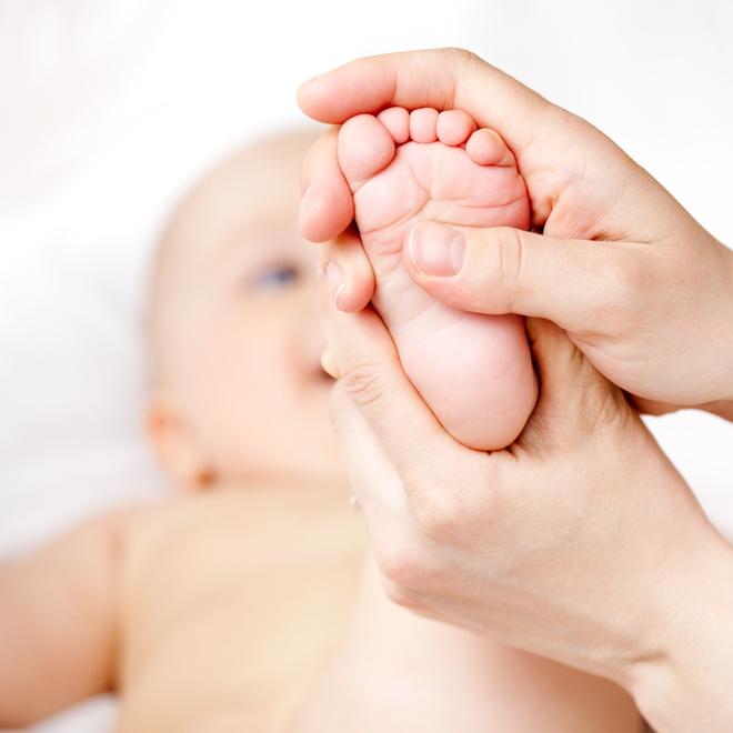 Luyện tập khả năng phản xạ cho trẻ sơ sinh, những lợi ích tuyệt vời mà cha mẹ không hay biết - Ảnh 6.