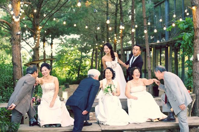 """Cả Hà Nội mới có một gia đình """"yêu tận tim"""": Ông bà, thông gia cưới cùng cô dâu, chú rể vui như thế này! - Ảnh 2."""