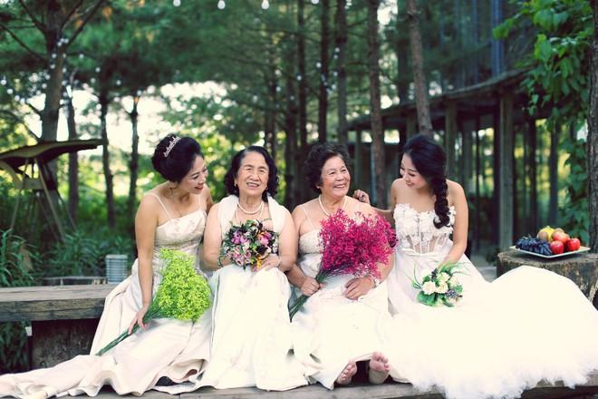 """Cả Hà Nội mới có một gia đình """"yêu tận tim"""": Ông bà, thông gia cưới cùng cô dâu, chú rể vui như thế này! - Ảnh 4."""