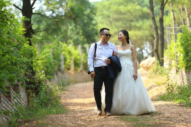 """Cả Hà Nội mới có một gia đình """"yêu tận tim"""": Ông bà, thông gia cưới cùng cô dâu, chú rể vui như thế này! - Ảnh 14."""