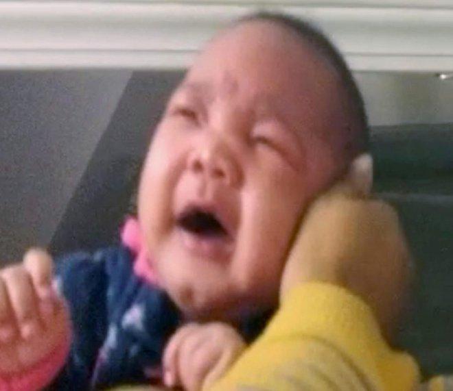 Bố mẹ đã biết cách dỗ trẻ nín khóc trong giây lát chỉ bằng cách cực đơn giản này chưa? - Ảnh 3.