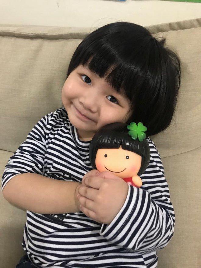 Màn đối đáp lém lỉnh giữa bố và cô con gái 2 tuổi khiến người xem đầy thích thú - Ảnh 5.