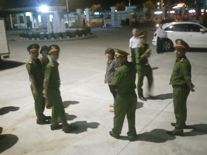 Vụ dâm ô Vũng Tàu: Nhận mức án 3 năm tù giam, bị cáo Nguyễn Khắc Thủy lớn tiếng trước tòa, một mực kêu oan - Ảnh 5.