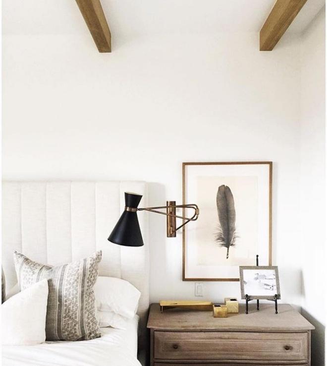 Phòng ngủ đẹp lung linh với gợi ý trang trí bằng đèn gắn tường - Ảnh 10.