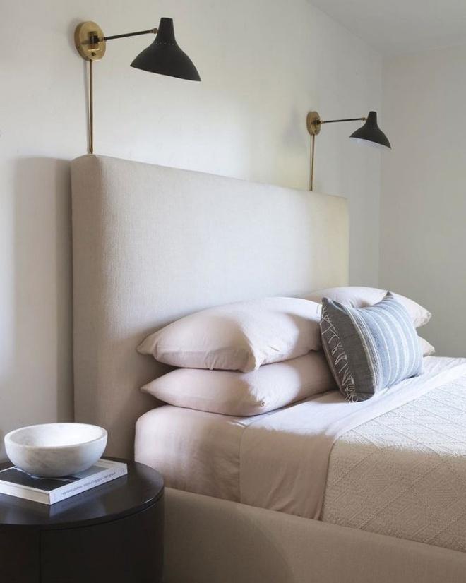 Phòng ngủ đẹp lung linh với gợi ý trang trí bằng đèn gắn tường - Ảnh 14.