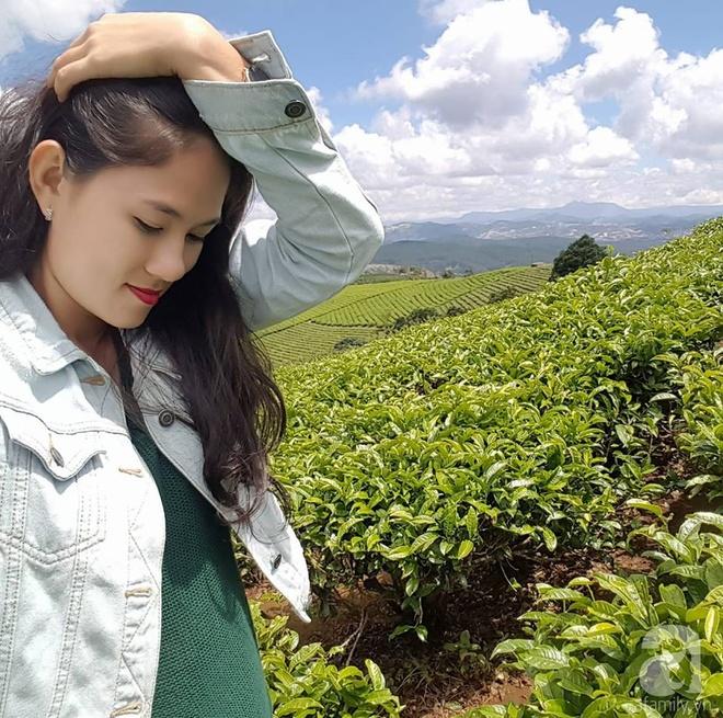 Bà mẹ trẻ ở Sài Gòn dựng hẳn khung thép trên sân thượng để trồng vườn rau quanh năm xanh tốt - Ảnh 1.