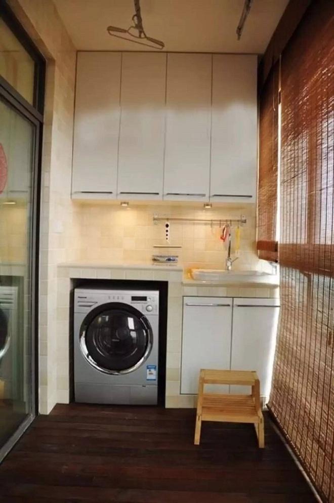 Đặt máy giặt ở ban công – giải pháp cho nhà ở chung cư có diện tích chật chội - Ảnh 1.