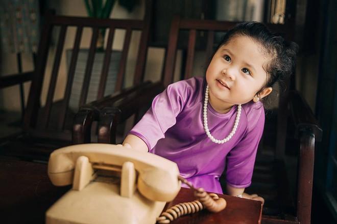 Đây chính là cô Ba Sài Gòn phiên bản 2,5 tuổi cưng hết sảy khiến dân mạng phát cuồng - Ảnh 2.